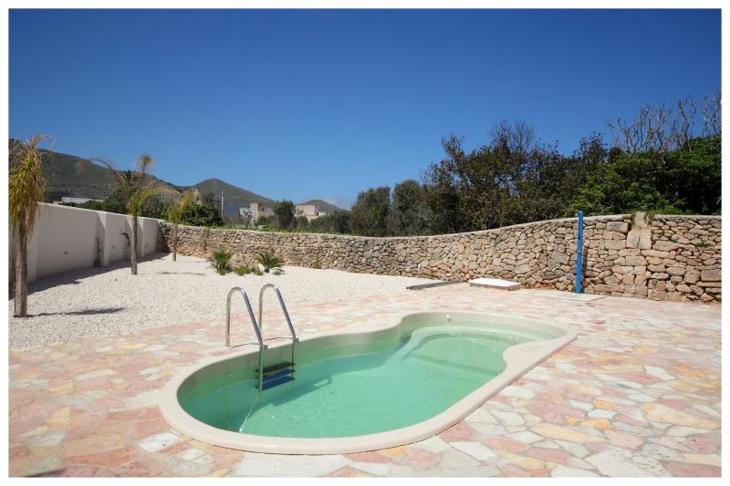 Plaia casa vacanze favignana appartamenti casa vacanze - Residence con piscina in sicilia ...